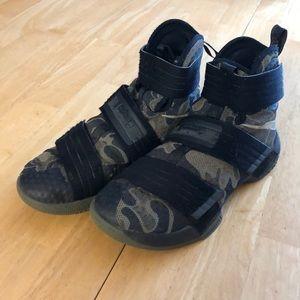 Nike Lebron Soldier 10 SFG Camo Basketball Shoes